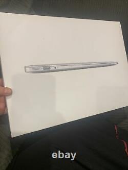 2017 Apple Macbook Air 13 13.3 i5 1.8GHZ / 8GB Ram / 1TB Memory